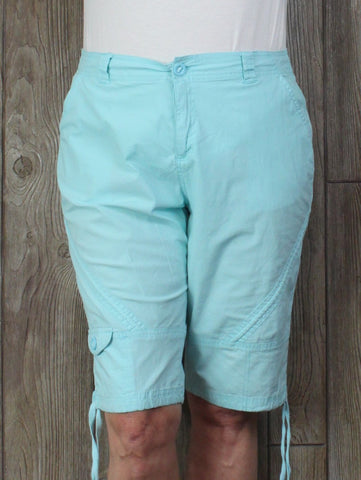 Cute Lulu B Blue Capri Shorts 16 size Light Blue Womens Cotton Blend Vacation Beach