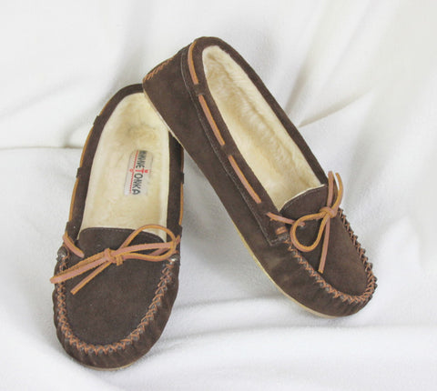 Minnetonka Suede Leather Mocs size 10 Brown Faux Fur Lined Womens Comfort Shoes - Jamies Closet - 1