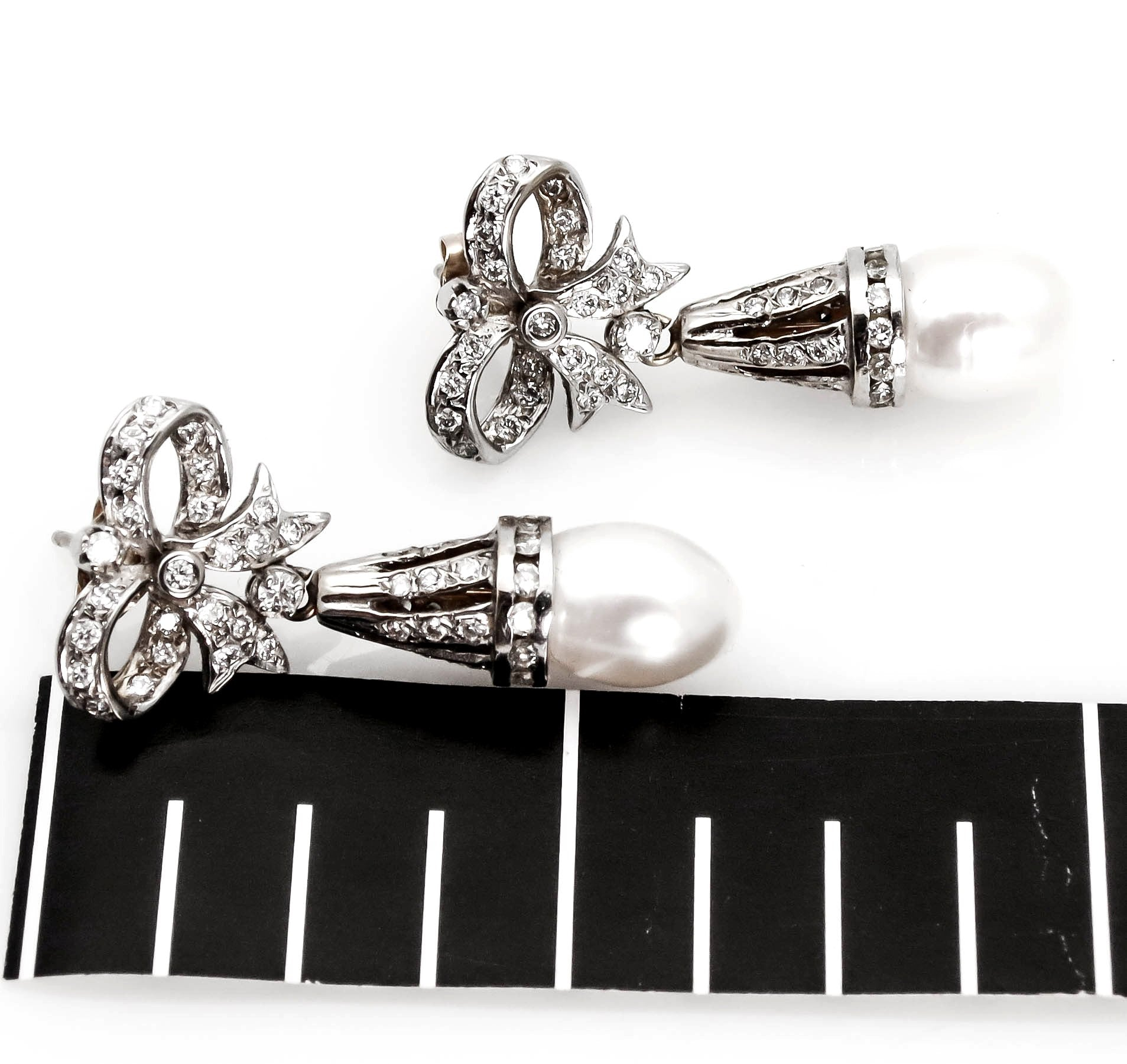 14k White Gold Pearls & Diamonds Earrings, Bow Earrings.