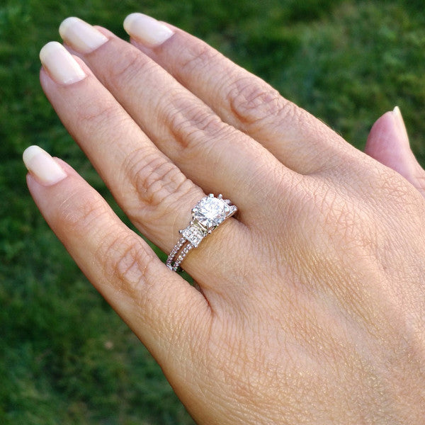 Unique Semi Mount For 1 Carat Center Stone Engagement Ring with .25 Carat Diamonds - 85043
