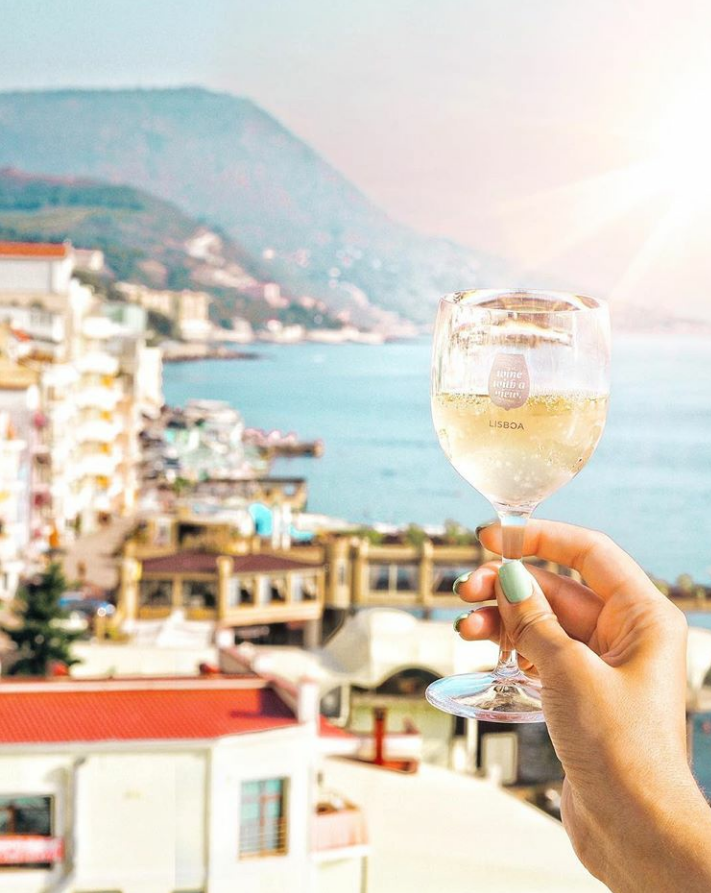 Sip Sip Horray! 6 reasons why you NEED a Wine With a View glass! (Plus a bonus one!)