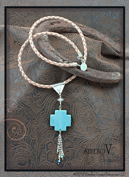 Country Crossing Necklace