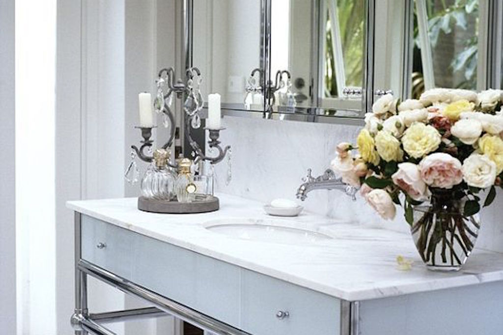 ✗ TAKE A LOOK: CELEBRITY BATHROOMS PART 2