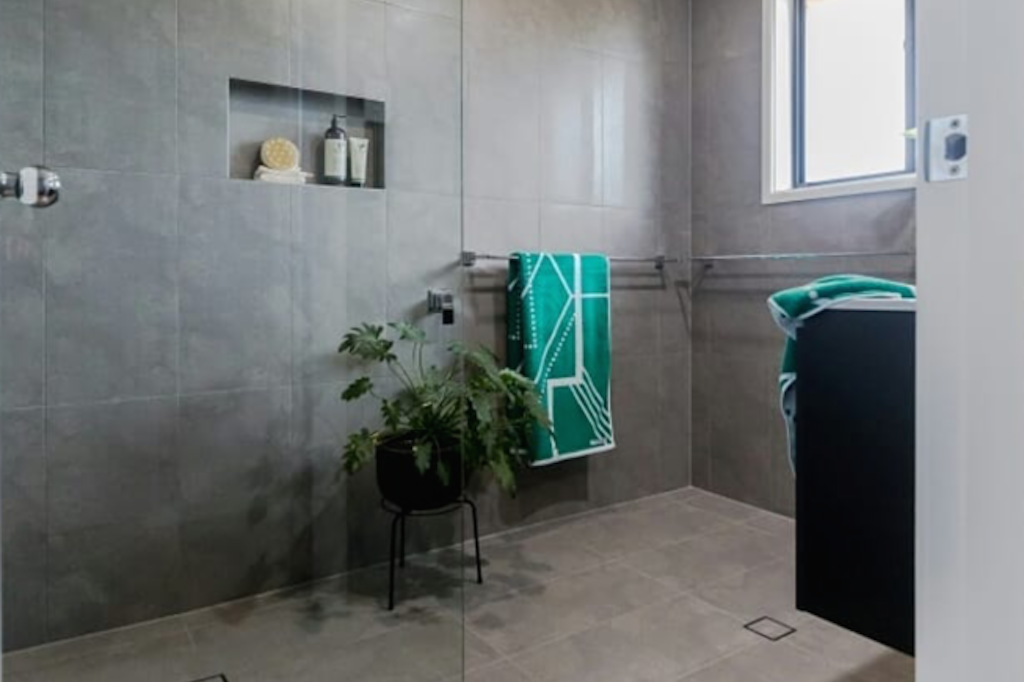 ✗ A BATHROOM RENOVATION WITH WOW FACTOR!