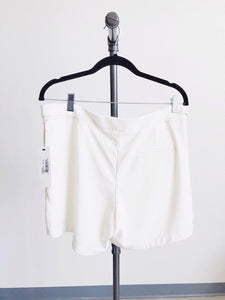 Bishop & Young White Ana Shorts SIZE M