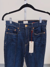 Load image into Gallery viewer, AO.LA High Rise Skinny Jeans SIZE 28