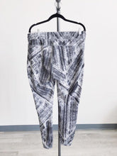 Load image into Gallery viewer, Lululemon Grey and Black Jogger Pant Size 10