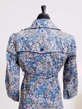 Load image into Gallery viewer, Elevenses Floral Print Trench SIZE 6