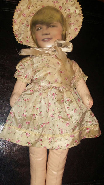 FILE 8830: The Doll of Emilia Grayson #