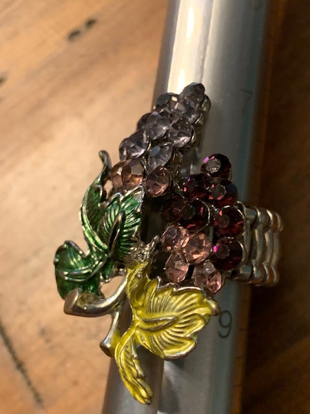 Costume Ring w/Grapes:  Grapes of Wealth