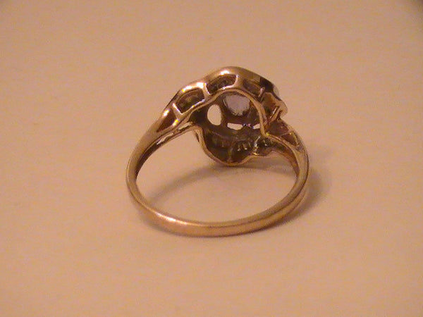 Marida makes a Genie look dumb,paranormal womens 10k gold ring