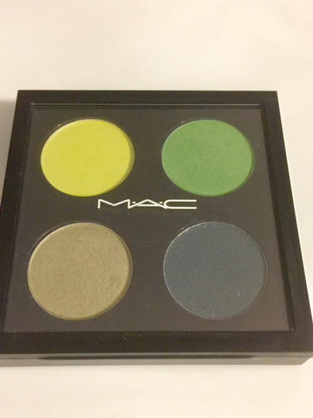 MAC TRILLION DOLLAR LOOK EYE SHADOW