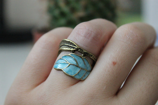 VINTAGE SWIRL LEAVE RING - PLUTO'S EGO - 3