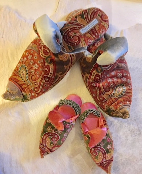 Baby and toddler paisley velvet shoes/slippers