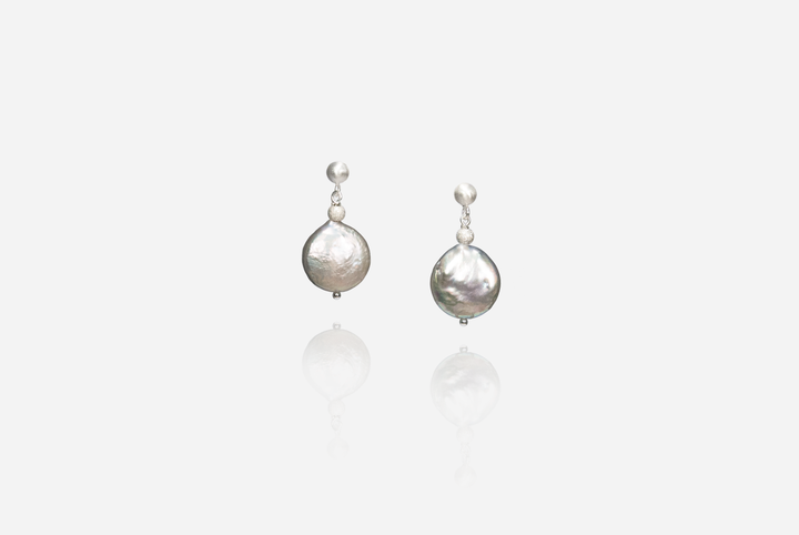 Bijoux Grey Coin Pearl Stud Earrings