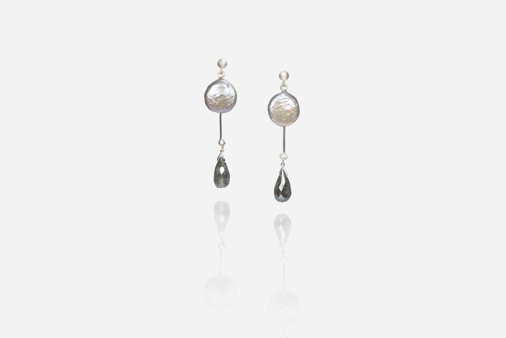 Bijoux Coin Pearl Stud Earrings with Labradorite