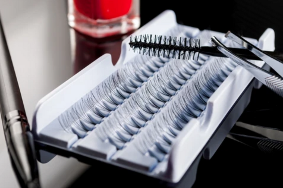 Want Longer Eyelashes? Know Your Options