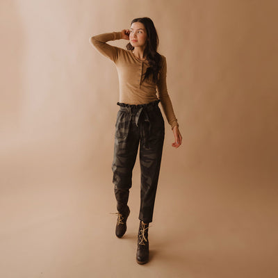 Bow Belt Capri, Camo