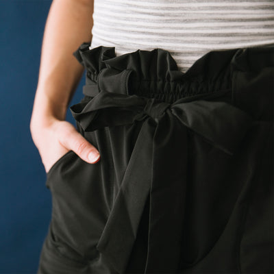 Bow Belt Capri