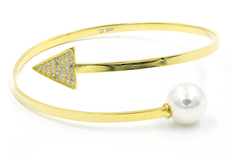 ZDB127-G  STERLING SILVER 925 GOLD PLATED FINISH ARROW AND PEARL BANGLE