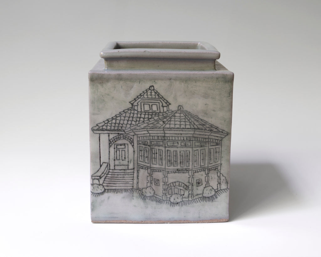 Ceramic Bungalow Vase