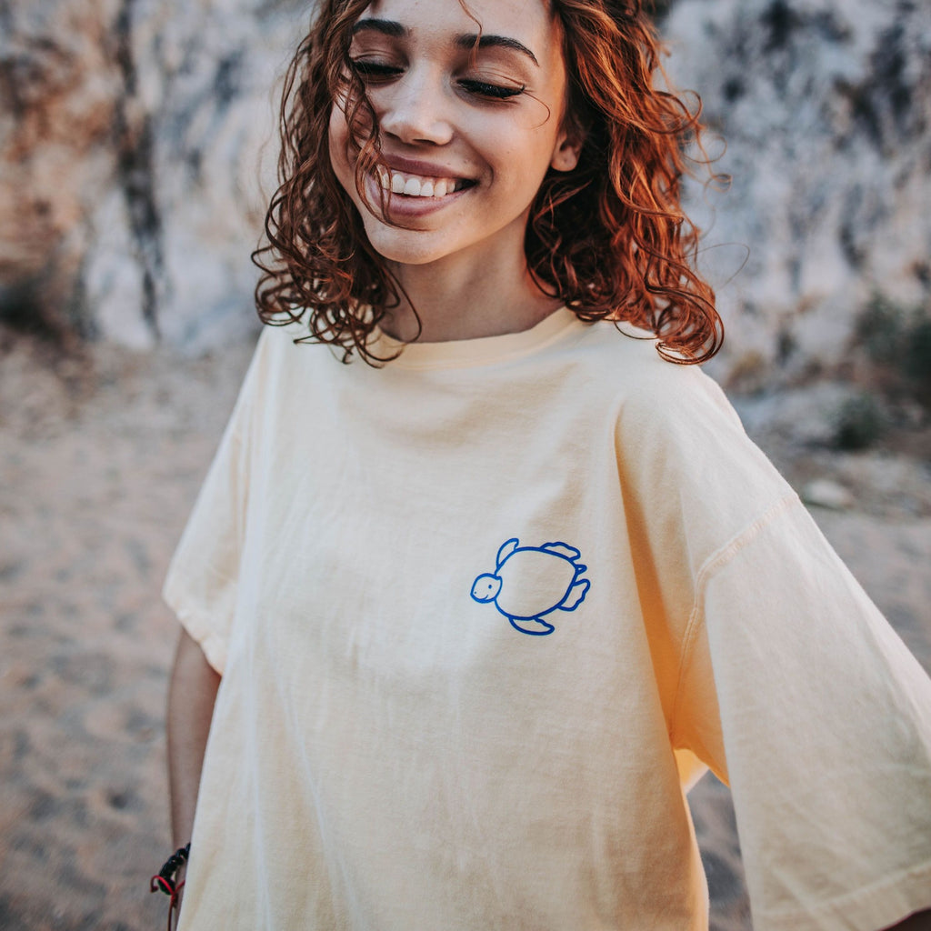 Happy Daisies Short Sleeve Tee in Banana - Shelly Cove