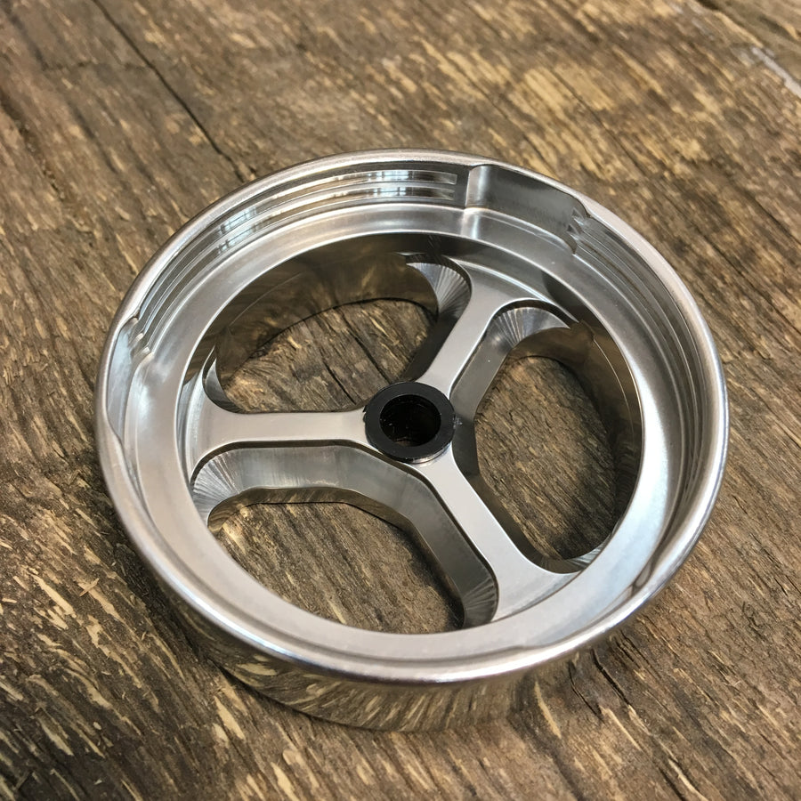 4 Piece STAINLESS STEEL Grinder with Accessories SOLD OUT email us at info@lift Innovations to be put on the list for the next batch