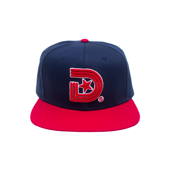 CLASSICS SNAPBACK IN NAVY & RED