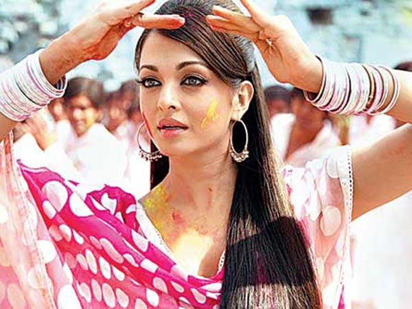 7 Most Happening Holi Songs from Bollywood