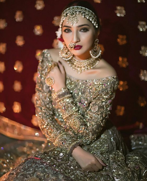 Diwali Jewel Book: Latest Designs and Trends for Festive Gala