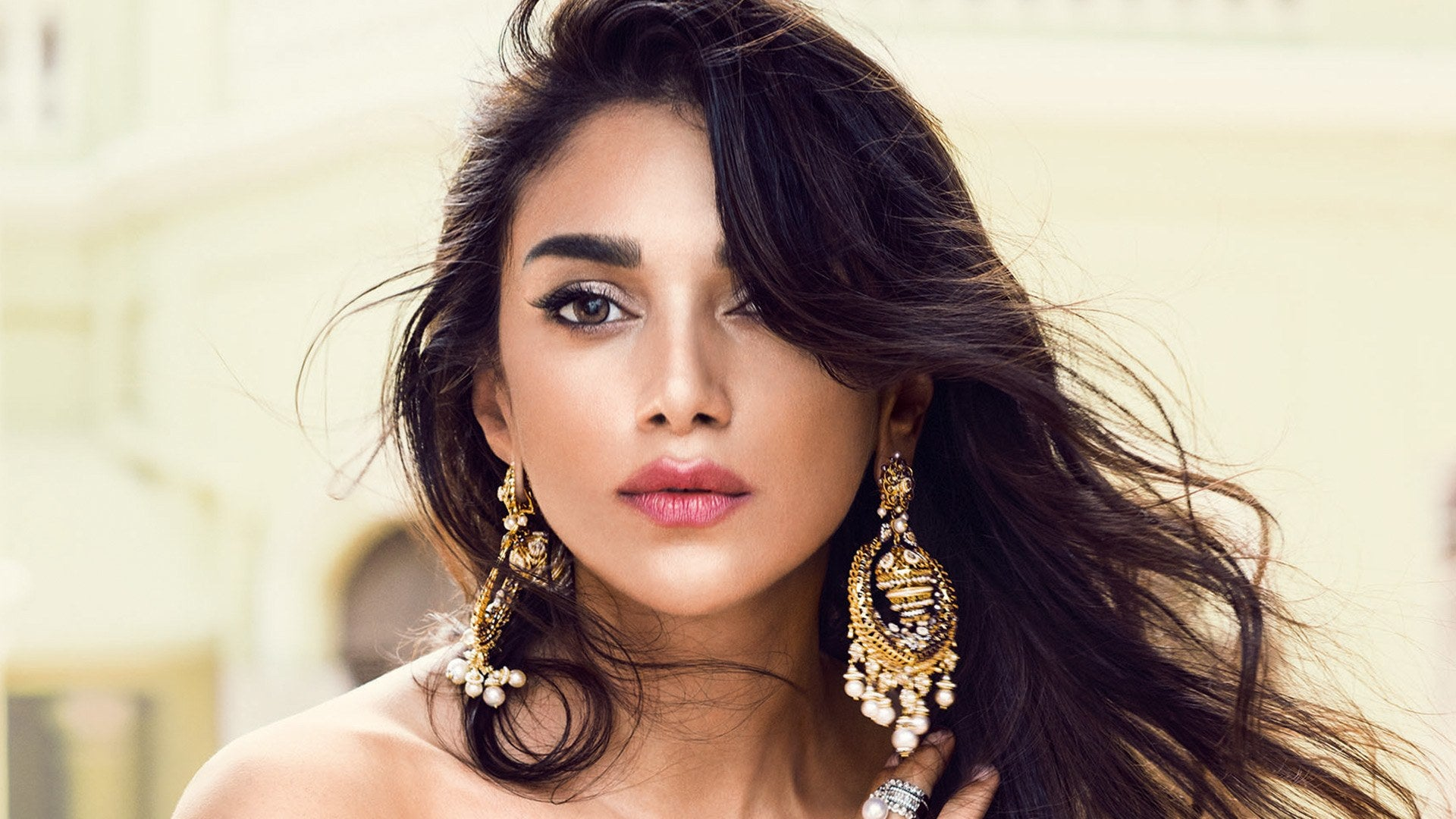 Natural Beauty: Five tips to keep your make up look natural with Indian Wear