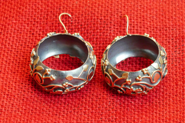 20a186-gray-bali-with-silver-gold-plated-floral-design-a