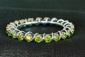 20a398-silver-amrapali-peridot-bangle