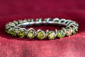 20a398-silver-amrapali-peridot-bangle-alternate-view