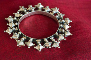 20a400-silver-amrapali-bangle-subtle-pearl-accents-bold-geometric-designs