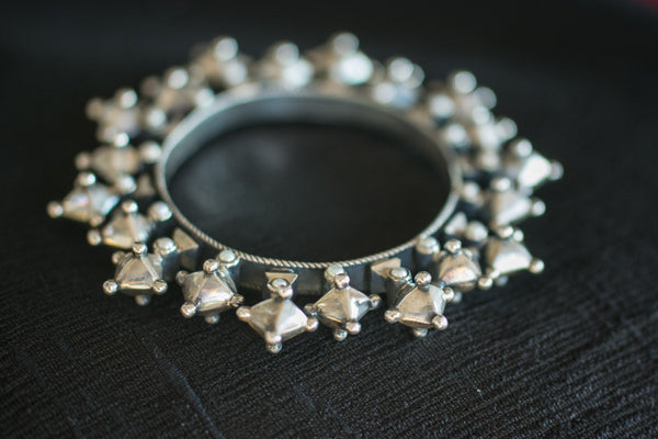 20a400-silver-amrapali-bangle-subtle-pearl-accents-bold-geometric-designs-alternate-view-2