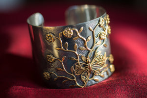 20a403-silver-gold-plated-amrapali-cuff-bracelet-two-tone-butterfly-flowers-alternate-view-2
