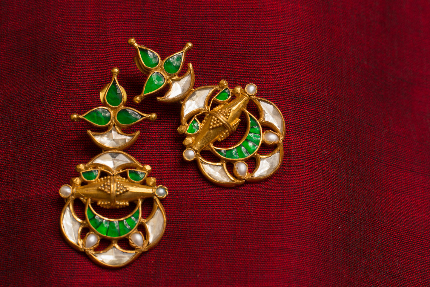 20a422-silver-gold-plated-amrapali-earrings-green-glass-pearl-alternate-view