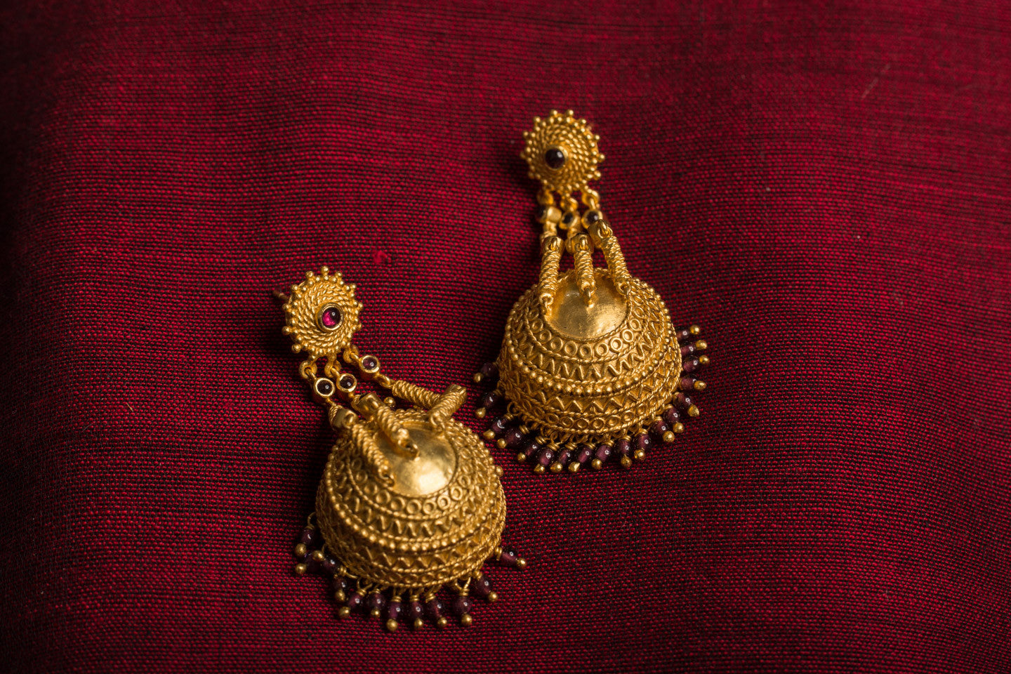 20a437-silver-gold-plated-amrapali-earrings-garnet-jhumka