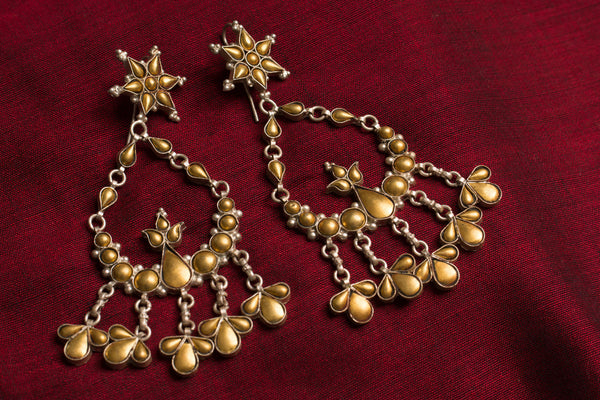 20a439-silver-gold-plated-amrapali-earrings-two-tone-floral-design