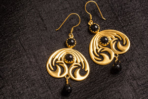 20a440-silver-gold-plated-amrapali-earrings-black-onyx-drop