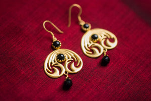 20a440-silver-gold-plated-amrapali-earrings-black-onyx-drop-alternate-view