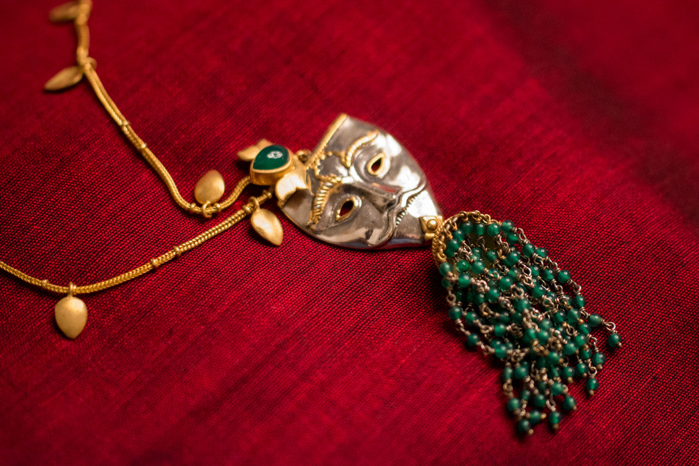20a454-silver-gold-plated-amrapali-necklace-leaf-mask-green-onyx-alternate-view-2