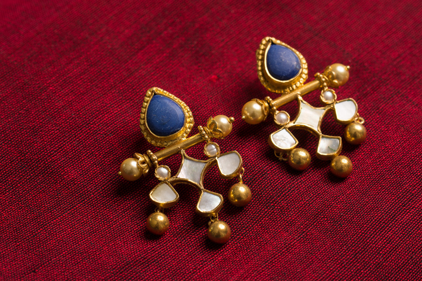 20a465-silver-gold-plated-amrapali-earrings-blue-stone-pearl-glass