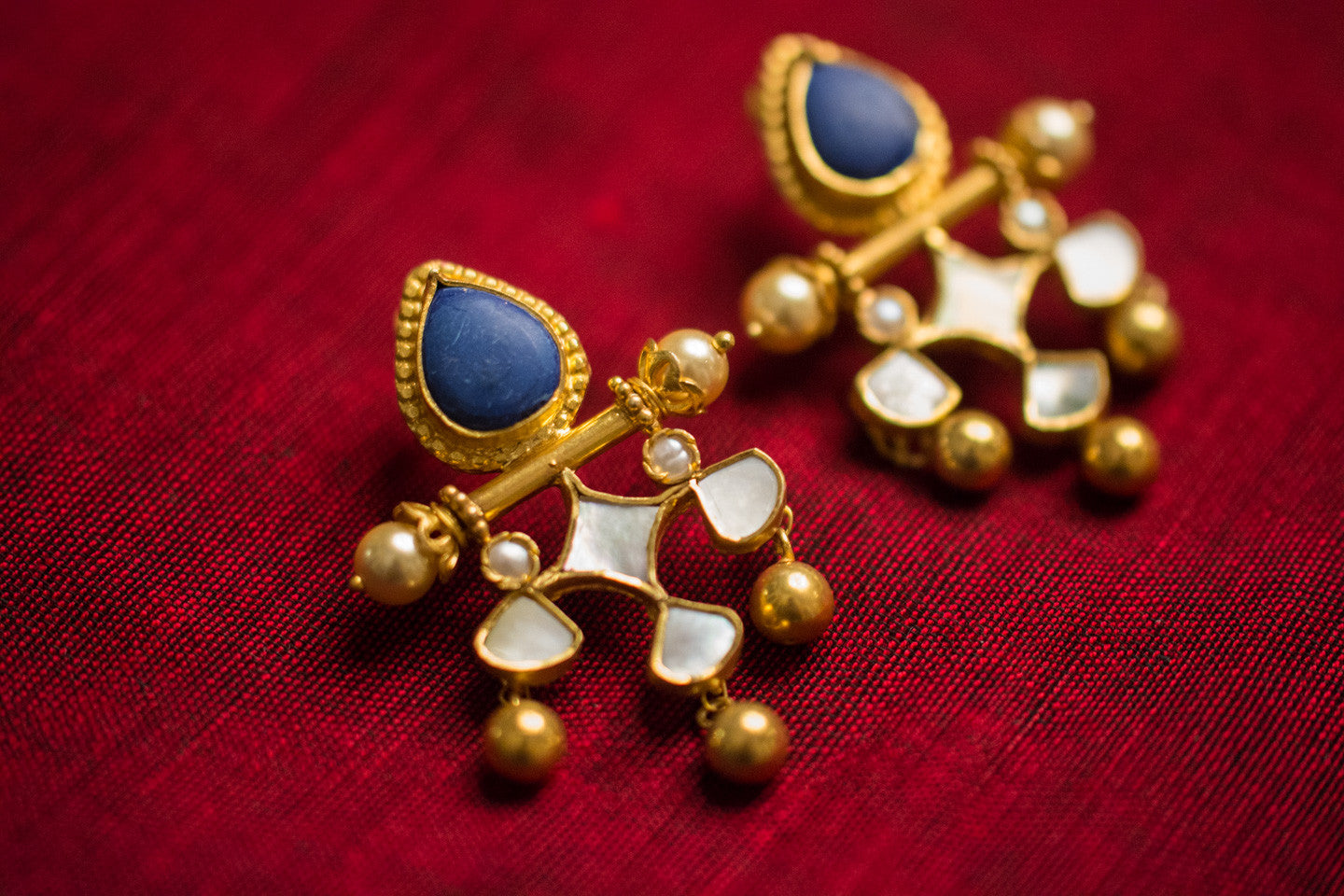 20a465-silver-gold-plated-amrapali-earrings-blue-stone-pearl-glass-alternate-view