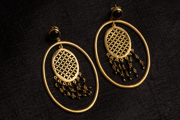 20a467-silver-gold-plated-amrapali-earrings-oval-cut-work-black-onyx