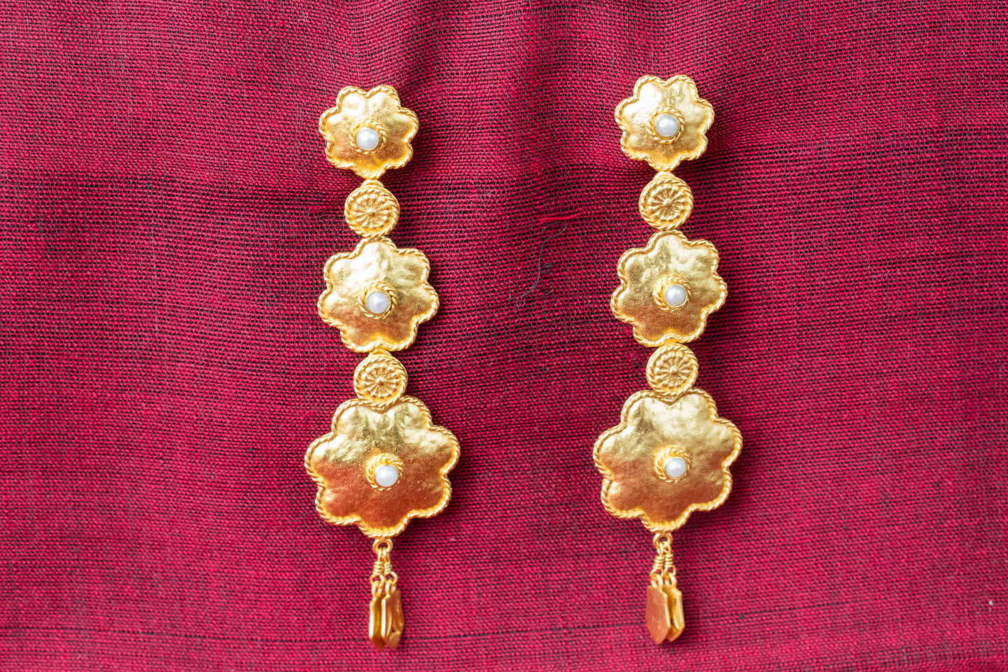 20a469-silver-gold-plated-amrapali-earrings-floral-design