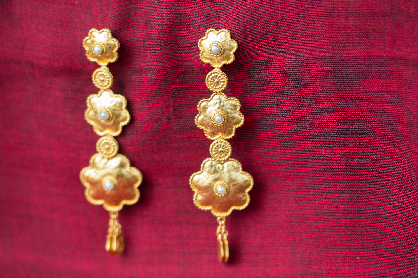 20a469-silver-gold-plated-amrapali-earrings-floral-design-alternate-view