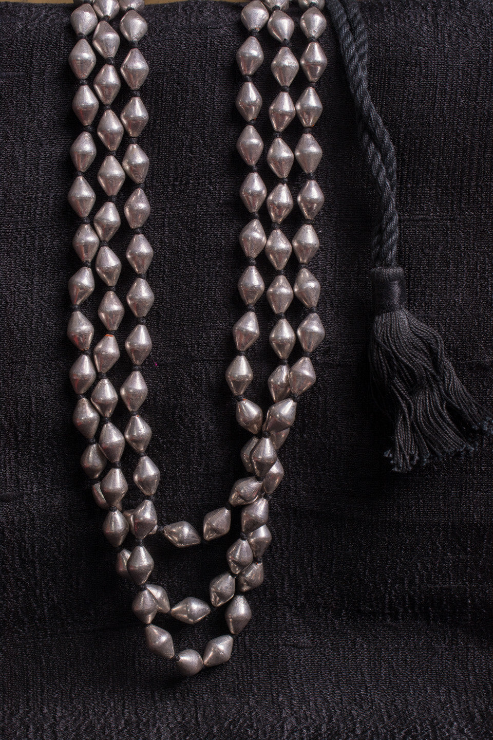 20a503-silver-amrapali-beaded-necklace