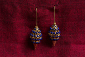 20A509 Silver Gold Plated Amrapali Earrings with Raised Design and Lapis